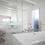 Image of the second bedroom's ensuite bathroom
